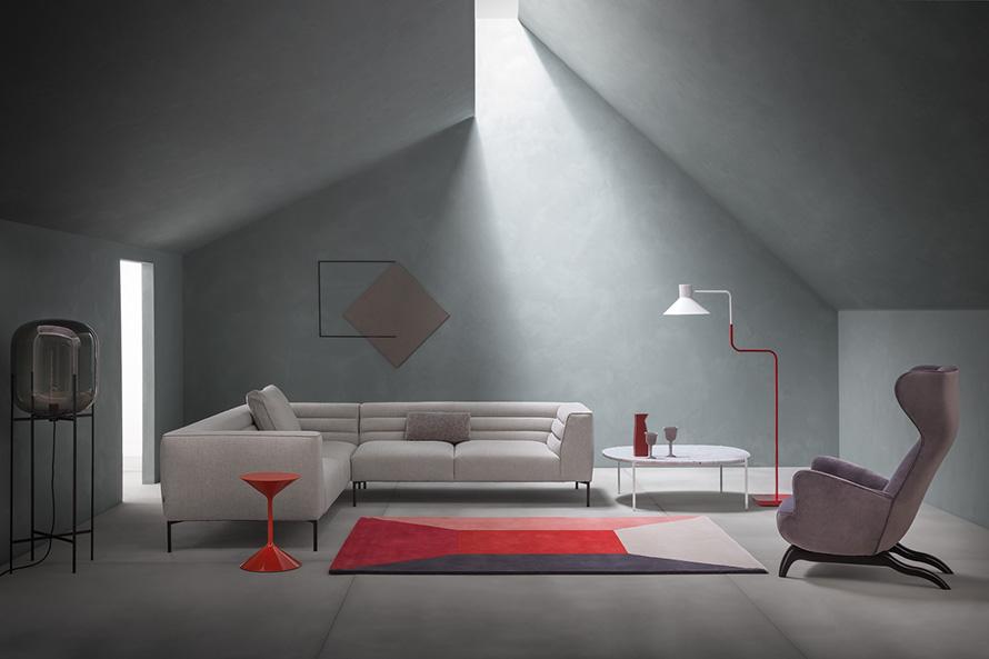 Zanotta Botero divano design bianco ad angolo.