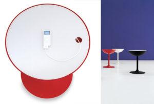 Miniforms Recharge Tavolino di servizio con caricabatterie incluso.