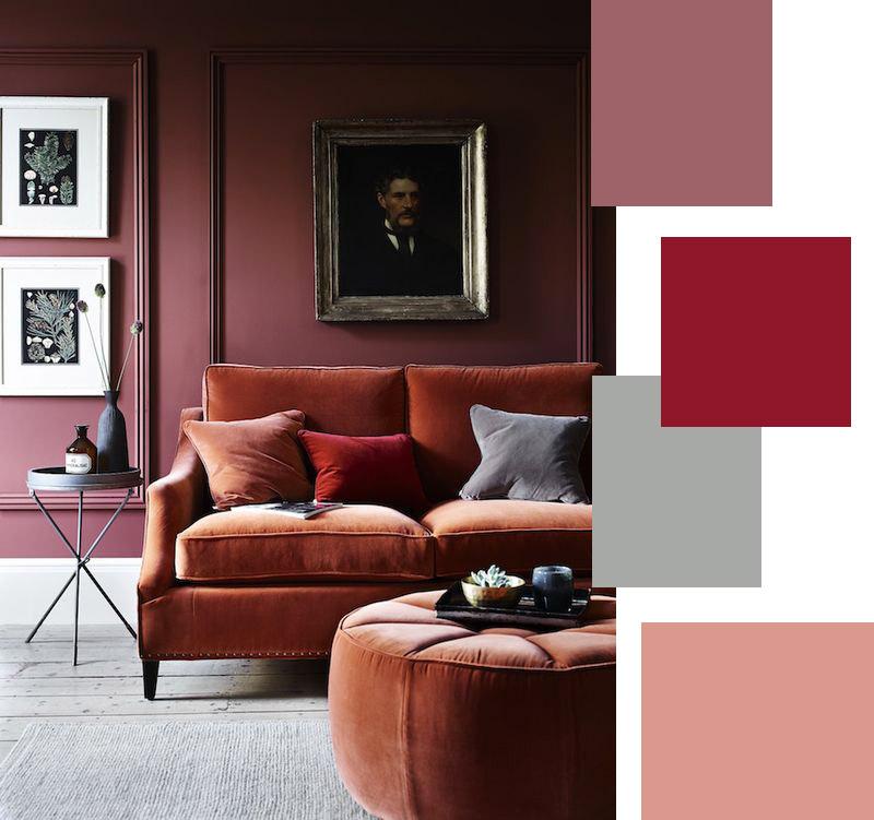 Parete del soggiorno rosso e viola.