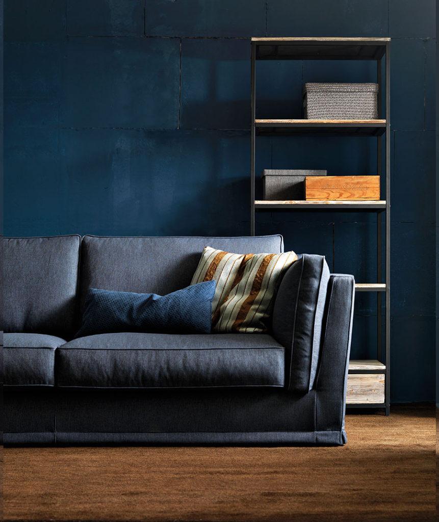 Guida colori pareti del salotto le gradazioni del blu - Colore divano pavimento cotto ...