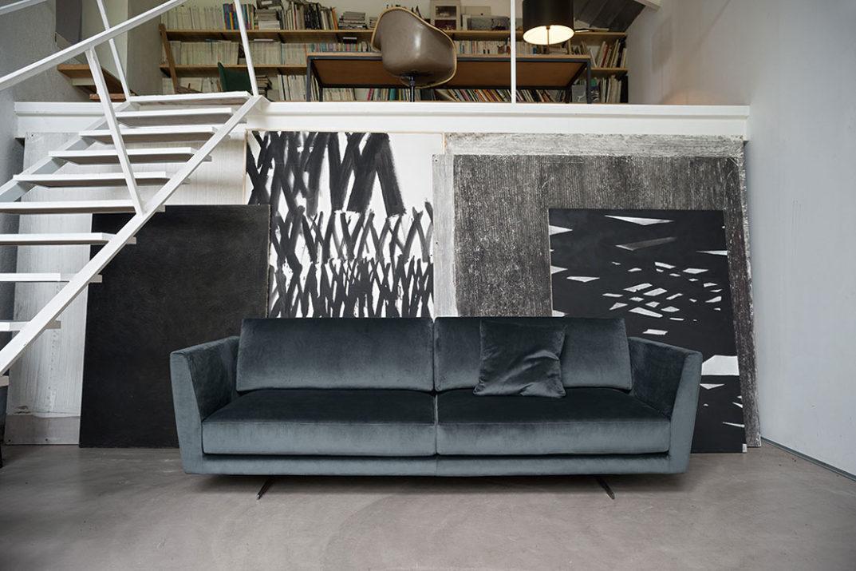 Tendenza arredo 2017 - divano in velluto blu scuro - gregory di Doimo Salotti