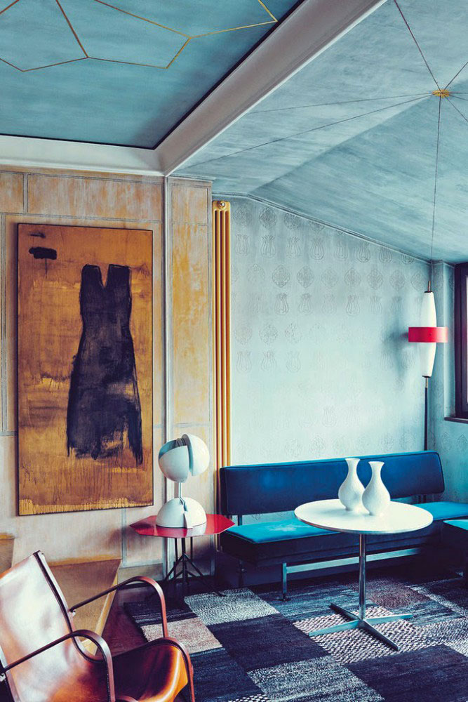 Pareti del salotto perfetto, guida ai colori. In questa immagine l'azzurro cielo.