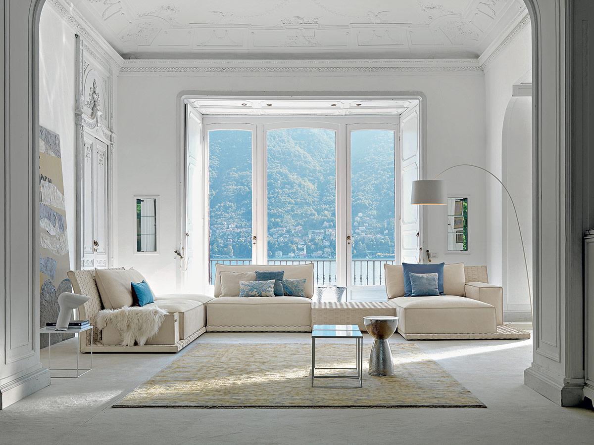 Come Abbellire Un Divano come arredare un salotto: 7 soluzioni per lo stesso ambiente.