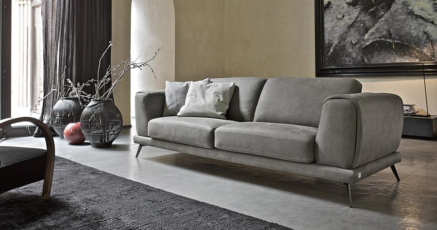 Doimo Salotti divano in pelle nabuk modello Denver.