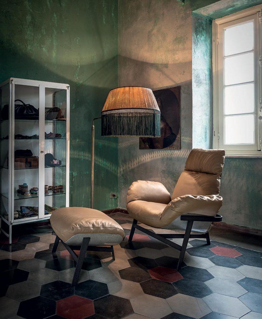 Elegante Poltrona Jupiter in pelle prodotta da Arketipo Firenze.