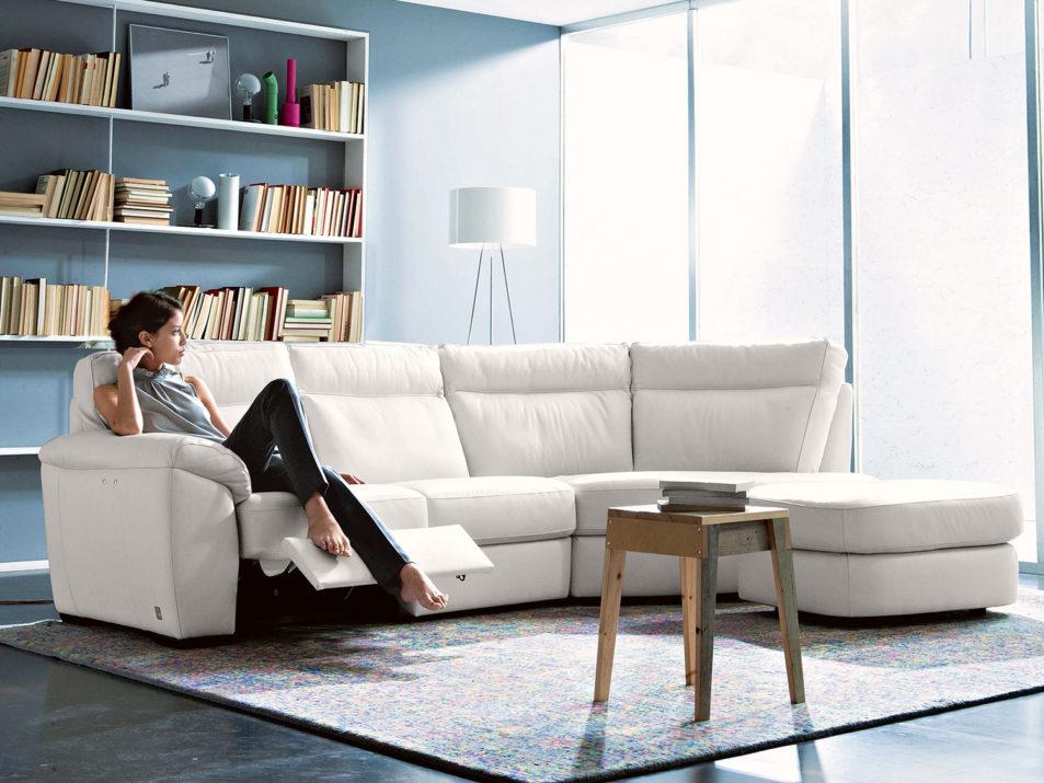 idee salvaspazio divano angolare per piccoli spazi