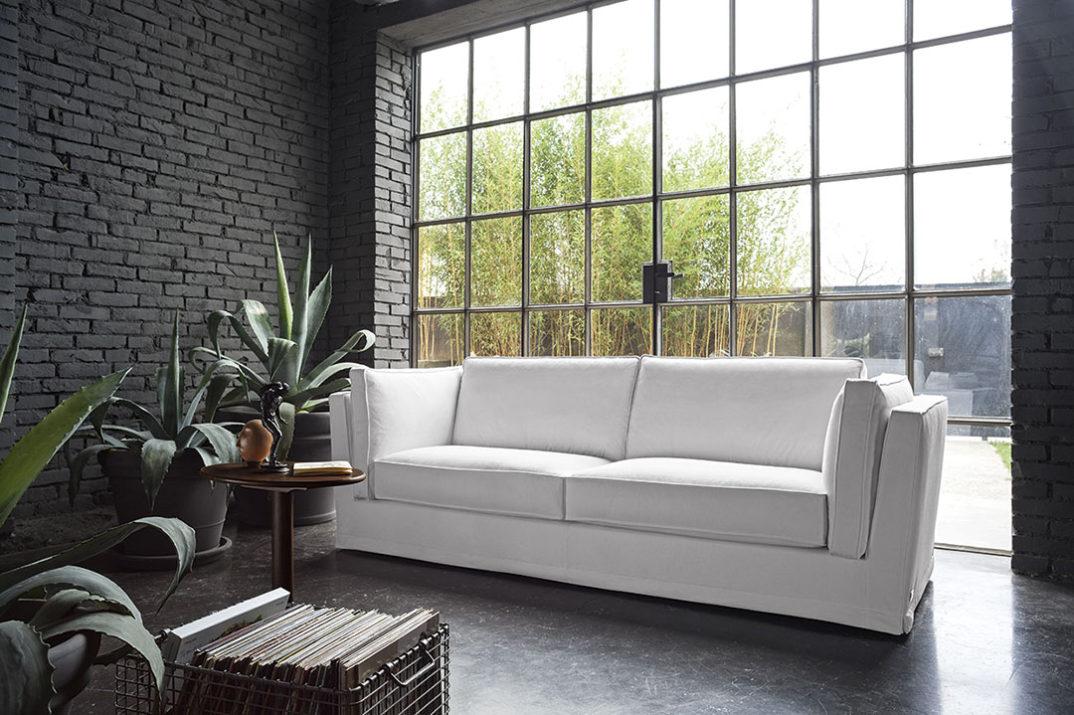pulire in divano bianco