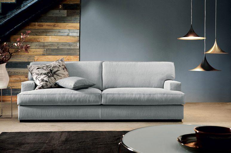 Le differenze tra i divani in piuma e in misto piuma.
