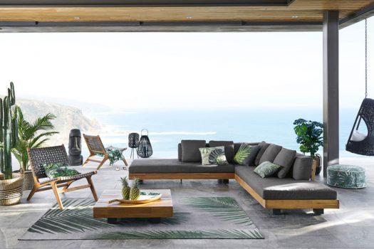 Decorare il divano – cuscini colorati