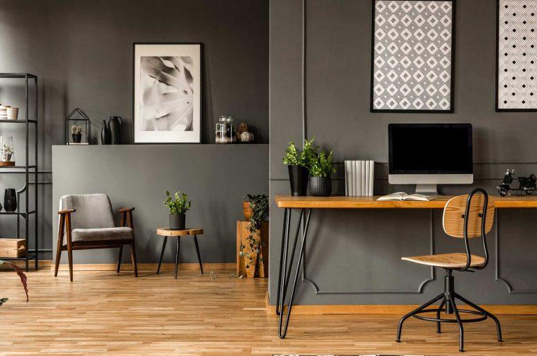 Come ricavare un mini ufficio nel salotto moderno: i consigli dei designer di Io Ristrutturo e Arredo